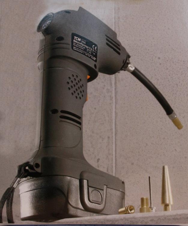 akku druckluft kompressor luftpumpe 9 6 v pumpe manometer. Black Bedroom Furniture Sets. Home Design Ideas
