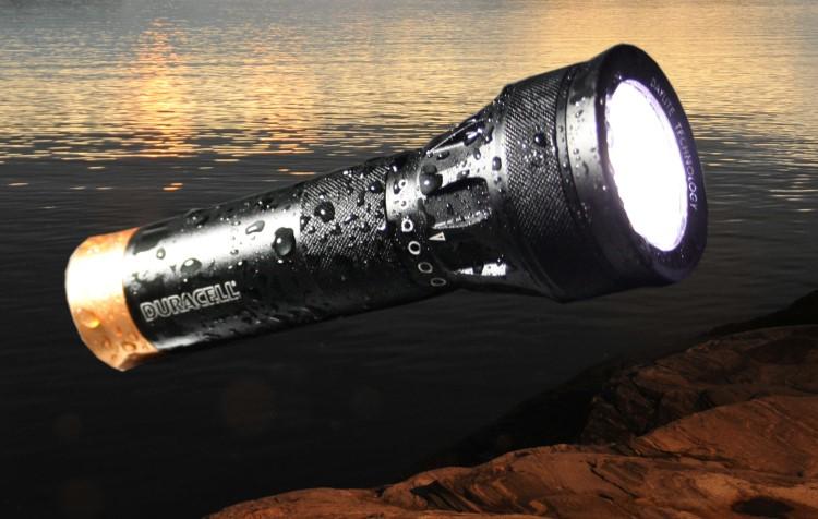 duracell daylite 3w led taschenlampe mit patentierter. Black Bedroom Furniture Sets. Home Design Ideas