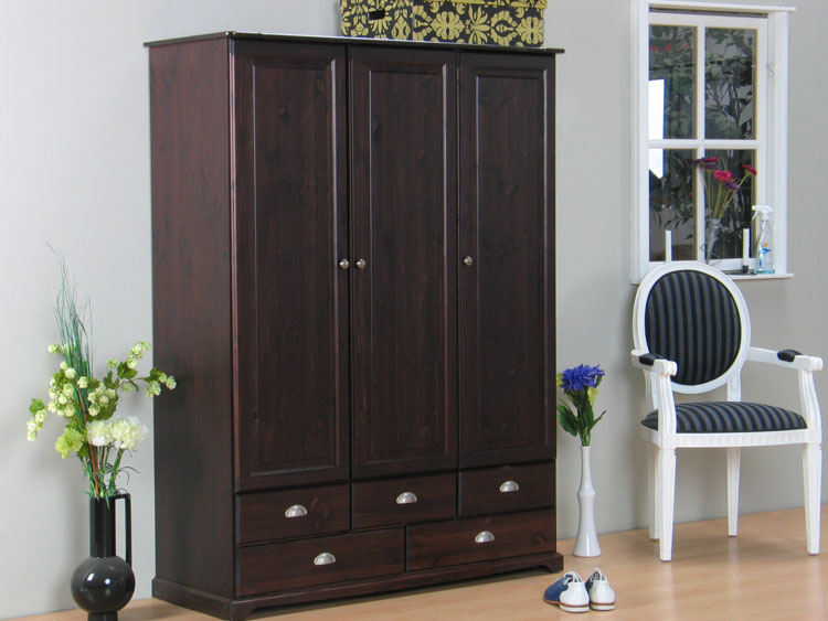kleiderschrank kolonial my blog. Black Bedroom Furniture Sets. Home Design Ideas