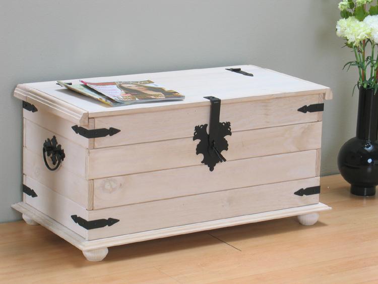 massive kiefer truhe mexico in wei truhentisch tisch. Black Bedroom Furniture Sets. Home Design Ideas